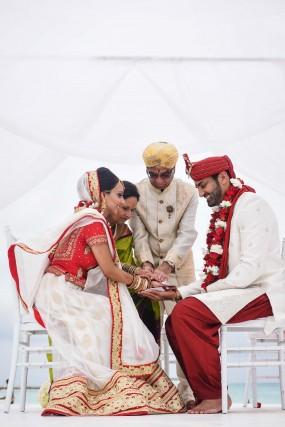 Amee & Mihir  Wedding Album - Image 4