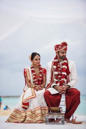 Amee & Mihir  Wedding Album - Image 5